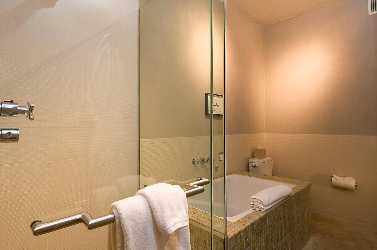 Mampares de dutxa-banyera. Mampares dutxa frontals · Mampares dutxa angulars · Mampares dutxa semicirculars · Mampares banyera...