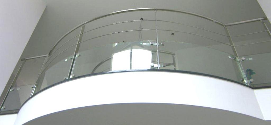 """Vidres securit / trempats. Vidres """"temprats laminats""""; Vidres curvats. Vidres acústics. Vidres de control solar; Vidres gravats a l'àcid. Vidres mides especials..."""