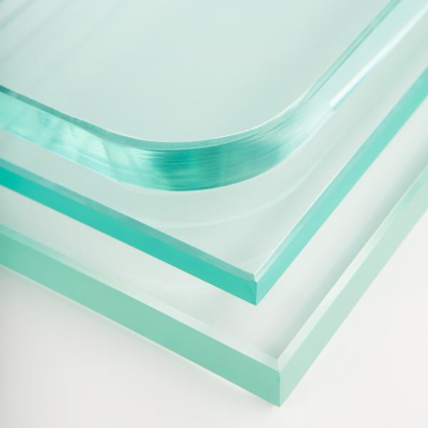 Ens encarreguem del subministrament, reparació i instal·lació de tot tipus de vidres plans i cristalls de seguretat temperats o vidres de seguretat laminats: cristalls antimoni, antibales i antirobatori, per a tendes, negocis o domicilis particulars.